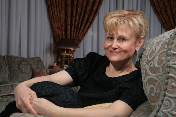 Дарья Донцова: «Я выжила, чтобы помочь выжить другим…»