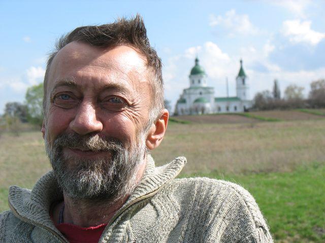 Знаменитый украинский альпинист и путешественник Юрий Лишаев отправился на каяке по Днепру