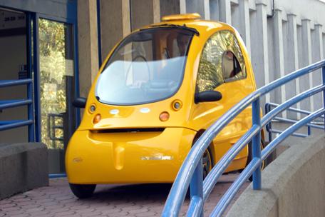 Электромобиль для инвалидов нуждается в спонсоре