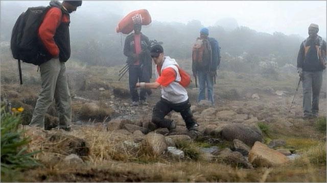 Сила воли позволила двум россиянам покорить самую высокую гору в Африке