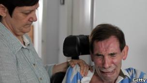 Парализованный британец проиграл дело о праве на смерть