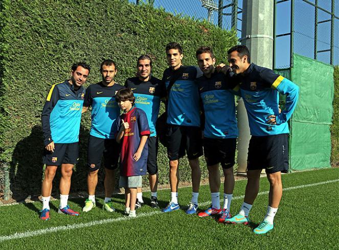 За «Барселону» будет играть мальчик без ног