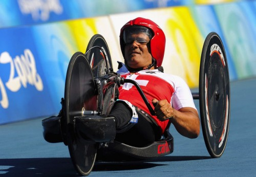 На фото: Франц Нитлиспах принимает участие в соревнованиях на Паралимпийских играх в Пекине.
