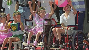 Как преодолеть неприятие обществом детей-инвалидов