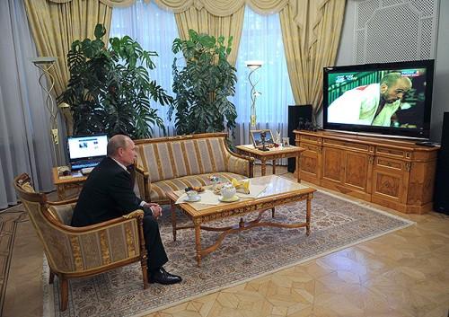 Владимир Путин наблюдает за трансляцией соревнований паралимпийского дзюдо
