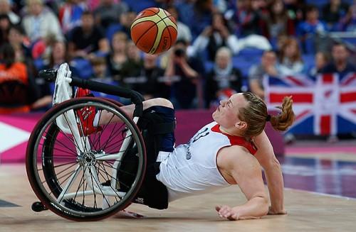 Баскетбол на колясках - игра достаточно жесткая