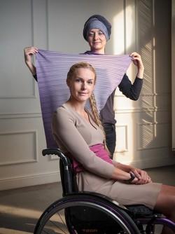 Яна Урусова, организатор Bezgraniz Couture, и Евгения Воскобойникова, лицо конкурса, ведущая телеканала «Дождь»фото Ивана Куринного для Forbes