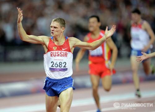 На фото: спортсмен Евгений Швецов в забеге на 400 м в соревнованиях по легкой атлетике среди мужчин на ХIV летних Паралимпийских играх в Лондоне. Евгений Швецов завоевал золотую медаль.
