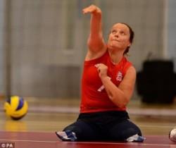 Британка, лишившаяся обеих ног в теракте в лондонском метро, осуществила мечту принять участие в Паралимпийских играх