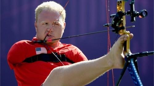 Лучник без рук стал паралимпийским чемпионом