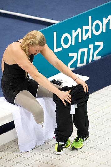 Американская пловчиха Джессика Лонг после заплыва