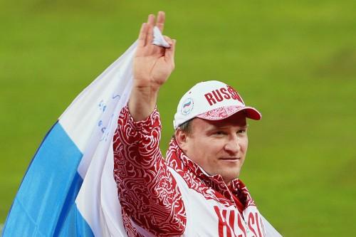 Россиянин Алексей Ашапатов взял золото в метании диска