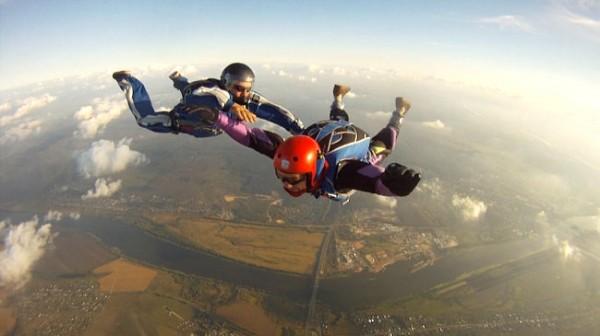 Жизнь в полете: невероятная история парашютиста с диагнозом ДЦП