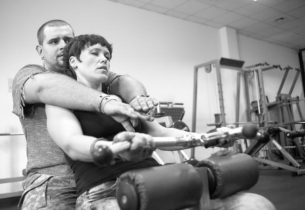 Девушка-инвалид вышла замуж за своего тренера