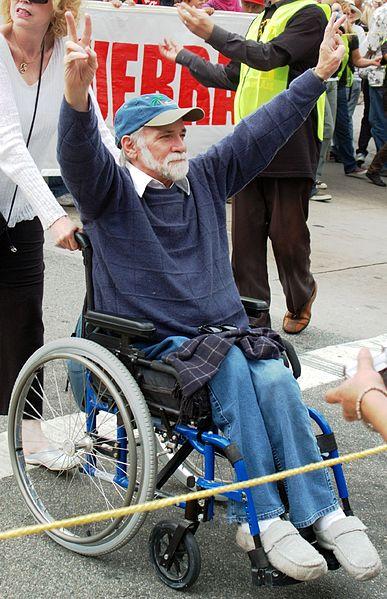 Рон Ковик на митинге протеста против Иракской войны. Лос-Анджелес, октябрь 2007
