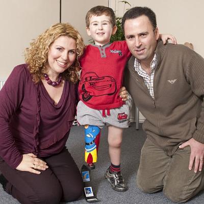 Безногий малыш на Новый год получил протез от кумира-спортсмена