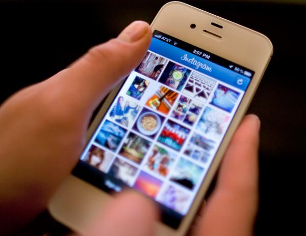 Siri помогает незрячим освоить Instagram