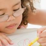 Как помочь детям с нарушением зрения