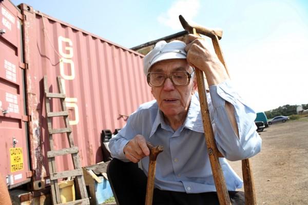 90-летний парашютист