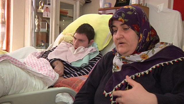 Молодая турчанка села на лицо мужику