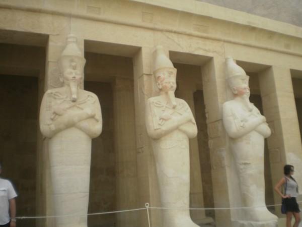 В Луксоре,часть храма Хатшепсут.