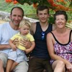 Русский сирота без ног, усыновленный в США, покорил Килиманджаро