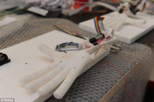 Швейцарцы создадут «робота-мальчика» для помощи пожилым людям к марту 2013 года