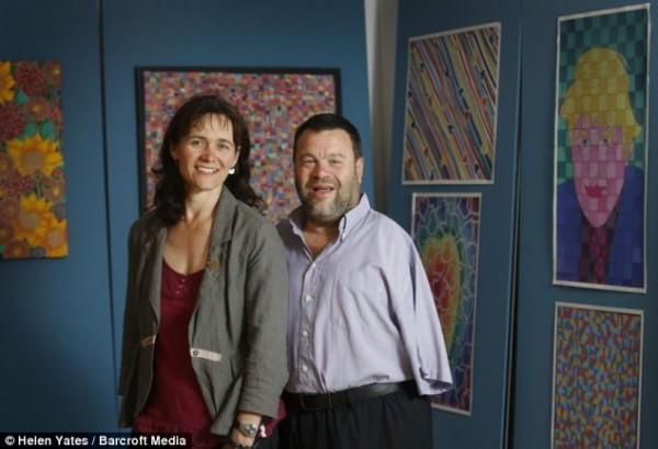 Том вместе с женой Люси