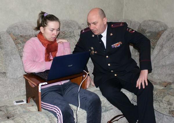 Репортер в инвалидной коляске станет сотрудницей Брянского ГИБДД