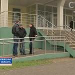 Жизнь инвалидов-колясочников в Беларуси: пандусы, ведущие к стене, ступенькам, и без поручней