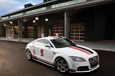 """Говорят, что """"Audi"""" уже тестирует прототип автомашины-робота. На фото: перестроенная модель """"TT"""". (stanford.edu)"""