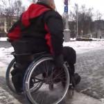 В Минске инвалид-колясочник не сможет попасть в ЦУМе на этаж с мужскими товарами: лифт проезжает мимо