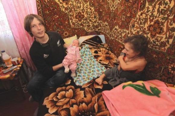 """Украинская """"дюймовочка"""" родила здоровую девочку"""