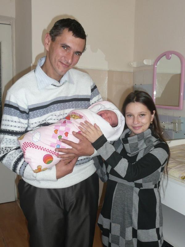 Украинская «дюймовочка» родила здоровую девочку