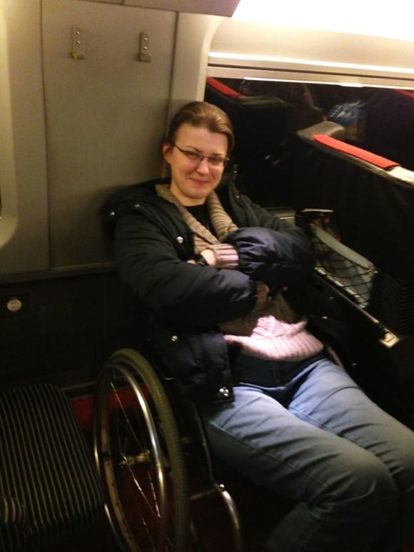 В поезде.