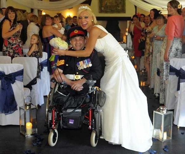 Говорят, что я бросила героя: Женщина развелась с солдатом, лишившимся ног