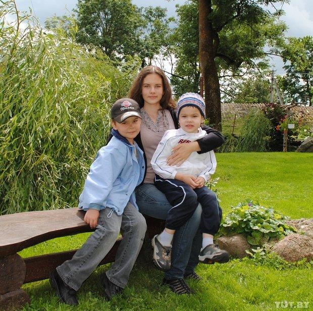 Детство взаймы. Легко ли быть обычным ребенком в особенной семье?