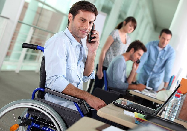 Как работается людям с инвалидностью в разных странах — всемирный опрос