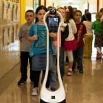 Робот, который ходит в школу вместо больного мальчика