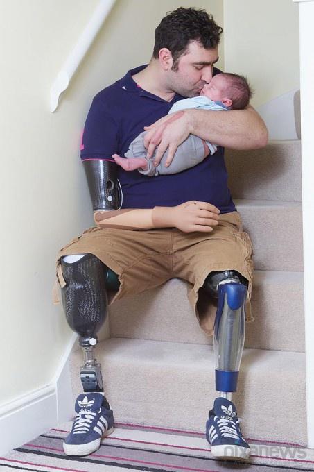 Энди Рид со своим сыном Уильямом Александром. © Brad Wakefield