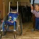 Воспитать ребенка-инвалида в России — подвиг