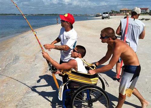 Турист без ноги, выудил из океана на спиннинг 100-килограммовую акулу, снялся на память и отпустил
