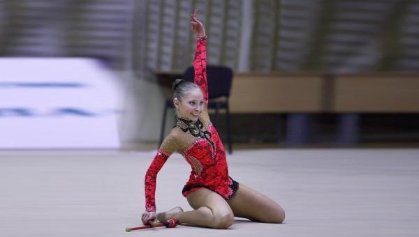 Без скидок на инвалидность: глухая гимнастка выступает наравне с мастерами