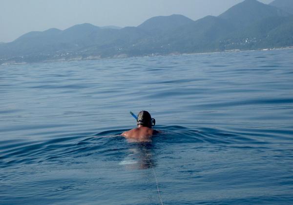 Юрий Бурлак за 17 суток доплыл из Турции в Сочи