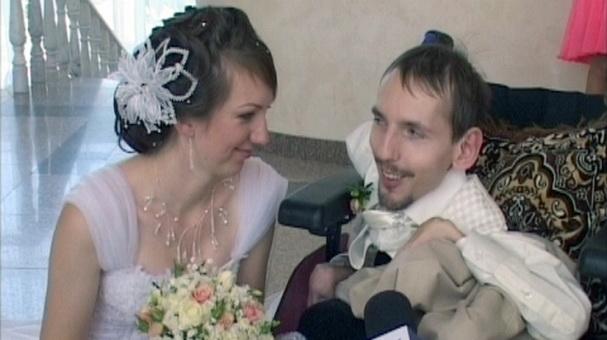 Григорий Прутов и Анна Стельмахович сыграли свадьбу