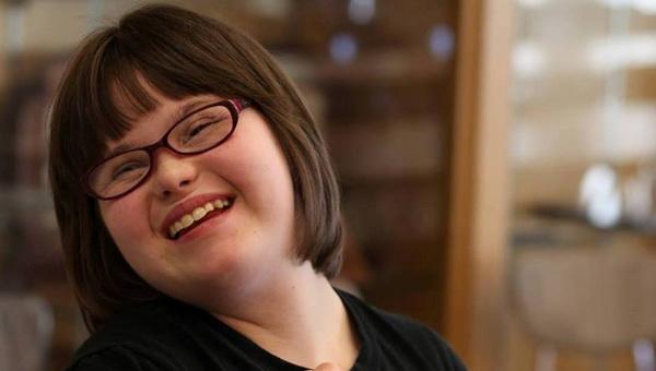 17-летняя американка с синдромом Дауна не позволила болезни помешать ей стать моделью