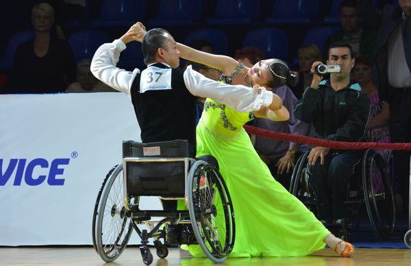 Танцы на колясках: красота тела и духа