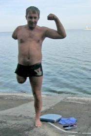 *«Мне было нелегко переплыть водохранилище, — признается Сергей Михайленко. — Но я не привык сдаваться» (фото из семейного альбома)