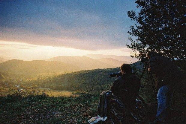 «Мир по дороге очень интересный»: белорусский фотограф и его жизнь за красными флажками