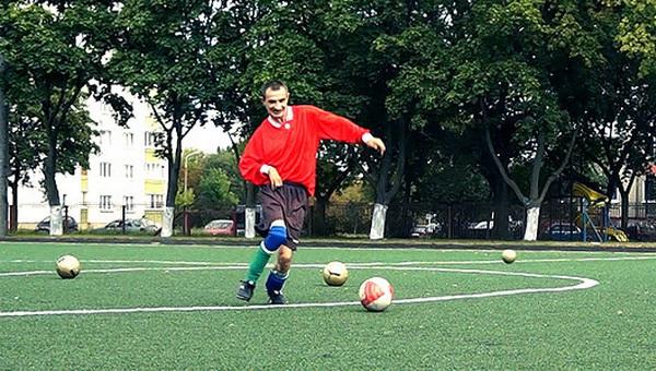 «Спорт дал мне все»: репортаж с футбольной тренировки